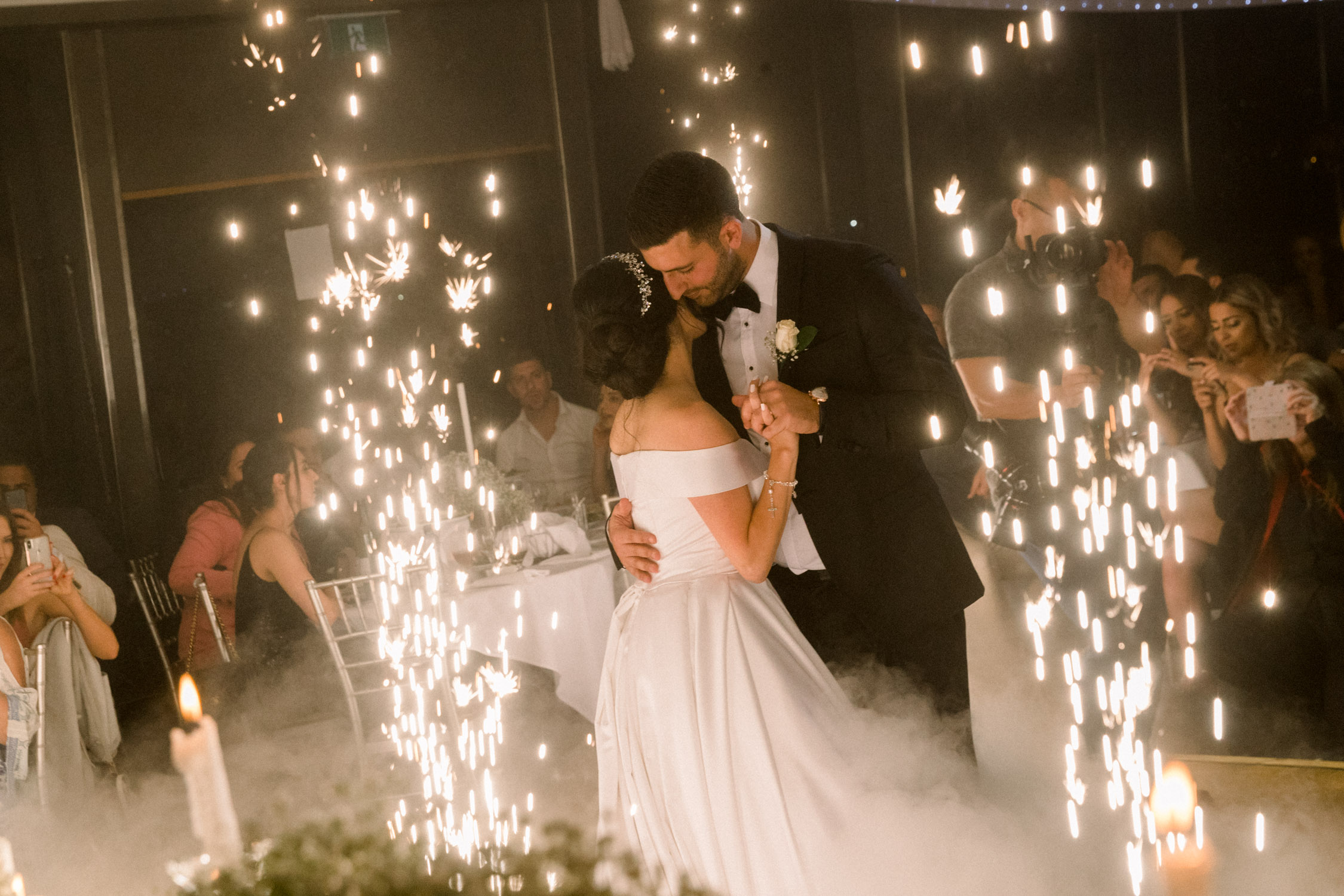 professional wedding photographer answer most asked questions