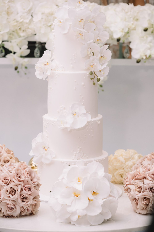 Wedding cake photos at Renaissance Westella
